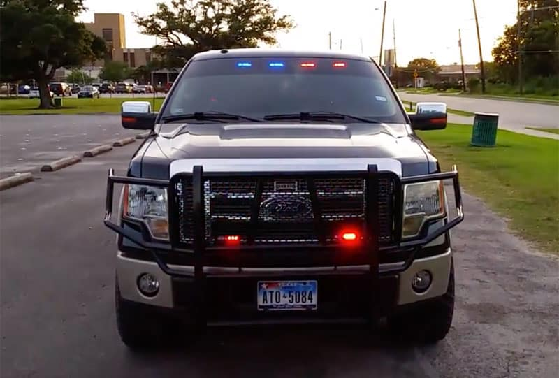 is it legal to have colored lights on your truck